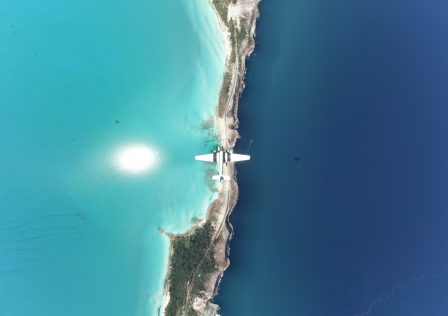 Microsoft-Flight-Simulator-JU-52-Glass-Bottom-Bridge-Eleuthera-.jpg