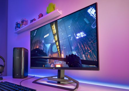 corsair-xeneon-gaming-monitor-reveal-1440p-165-hz-web.jpg